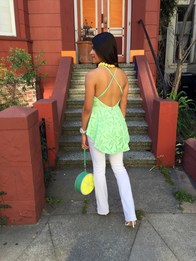 How to wear white flare jeans